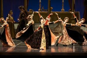 2010 Repertory - Program 8 San Francisco Ballet in Tomasson's Romeo & Juliet. (© Erik Tomasson)